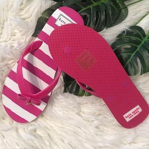 kate spade pink and white striped flip flops 🌸